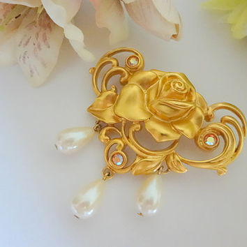 Vintage AVON Signed Victorian Rose Pin,AVON Jewelry,Avon Pin,Victorian Jewelry,Vintage Brooch,Antique Jewelry,Gold,Pearl and Rhinestone Pin