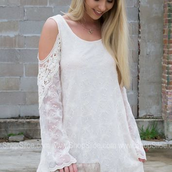 Seashell Lace Cream Dress