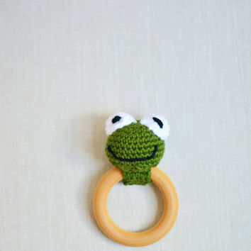 Crochet Frog Baby Teether - Frog Baby Toy - Maple Wood Teething Ring