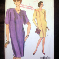 Vogue 7997 Very Easy Loose Fitting Front Button Dress Misses' or Misses' Petite Size 14 Sewing Pattern Cut