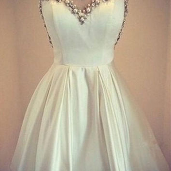 Vestido Cocktail Knee Length Cocktail Dress Beaded Pearls Girls Homecoming Gown Prom Gowns Party Dress vestido de festa curto