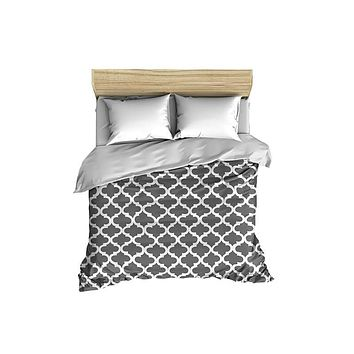 Quatrefoil Pattern White on Solid Comforter