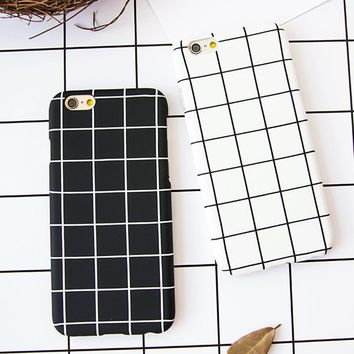 Retro Grid Lined Phone Case