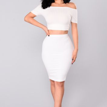 Noted Velvet Ribbed Skirt - Ivory