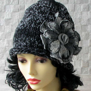 AlbadoFashion Bloom Chunky Knit Beanie Hat with Felt Flowers Soft and Confortable Ladies Fashion Hat
