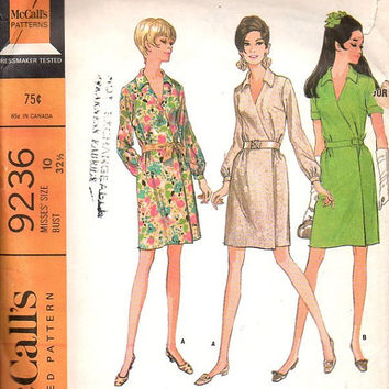 McCall's 9236 Vintage Retro Sewing Pattern 60s 70s Classic Style Wrap Dress V Neck Casual Party Cocktail Dress Bust 32