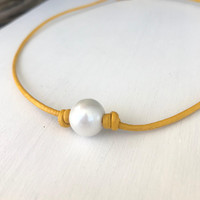 Leather pearl choker, pearl choker, back to school gift, freshwater pearl necklace, leather and pearls, choker necklace, pearl necklace