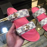 LV tide brand female models early spring new chess flat sandals