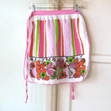 Striped Mod Vintage Apron; Pink/Green Ladybugs/Pears/Leaves~EUC Retro Half-Apron; U.S Shipping Included.
