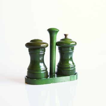 Green wooden salt and pepper shakers, Italian mid century kitchenware, vintage green kitchen decor, country house kitchen, Italian kitchen