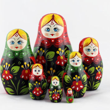 Matryoshka Russian Nesting Doll Babushka Beautiful Wooden Old Style Flowers Set 7 Pieces Pcs Hand Painted Handmade Souvenir Handicraft Craft