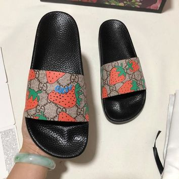 GUCCI Fashion Women Men Casual Strawberry Print Slipper Sandals Shoes
