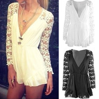 V-neck Long Sleeves Lace Chiffon Short Jumpsuits