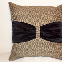 "Pillow Covers 18"" Set of Two - Beige Geometric Pattern with Black Bow"