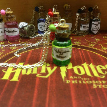 Harry Potter Jewelry - Harry Potter Potion charm necklace - Polyjuice potion