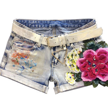 Fashion Ripped Casual Denim Shorts Vintage Denim Beading Embroidery Floral Curling Shorts Women Shorts
