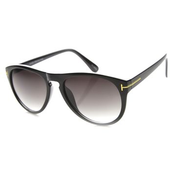 Unisex Aviator Sunglasses With UV400 Protected Gradient Lens