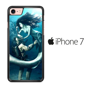 Diver and The Mermaid iPhone 7 Case