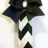 Black and White Wristlet Key Fob with Bow