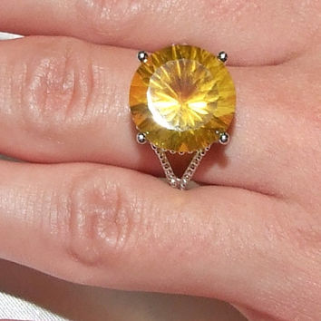 Golden Yellow Fluorite Ring, Concave Cut, Large 10-Carat Solitaire Canary Yellow Natural Gemstone Diamond Alternative Sterling Silver Size 7