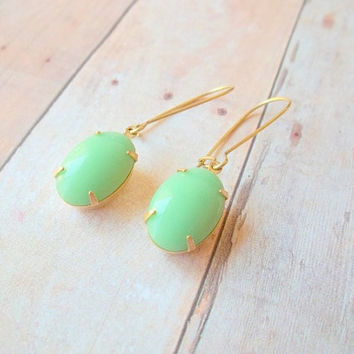 C O S M O - Vintage Mint Spring Green Stone Gold Kidney Wire Dangle Earrings