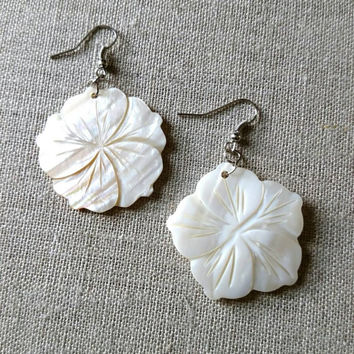 White flower beaded drop earrings, white shell bead with iridescent finish.