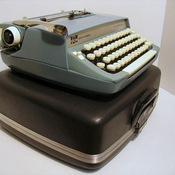 Vintage SCM Smith Corona Super Sterling Typewriter Portable Manual
