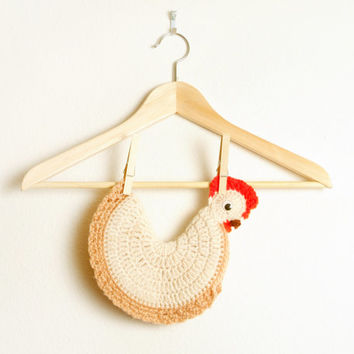 Vintage Chicken Pot Holder Egg Warmer hand Crochet Super Cute in Antique White, Brown and Red