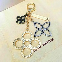 LV Louis Vuitton Hollow Four-leaf Flower Key ring Keyring - Buckle Classic Key chain