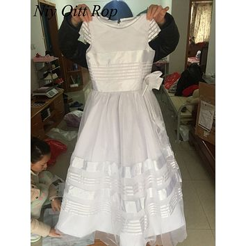 New White  Flower Girls Dresses 2017 Ball Gown Ruched Short Sleeve Little Girls Pageant Gowns First Communion Dress F91