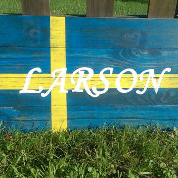 Custom Swedish Flag Pallet Sign - Rustic Flag Decor - Personalized Wood Flag Outdoor Decor
