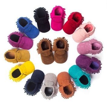 ONETOW New Suede Leather Newborn Baby Boy Girl Baby Moccasins Soft Moccs Uggs Shoes Bebe Frin