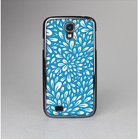 The Light Blue & White Floral Sprout Skin-Sert Case for the Samsung Galaxy S4