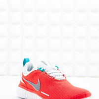 Nike Free OG Breeze Trainers in Coral - Urban Outfitters