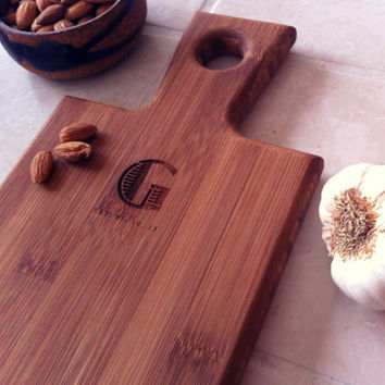 Personalized Serving Board, Custom Engraved Board, Bamboo Cutting Board, Cheeseboard, Engraved Breadboard, Wedding Gift, Engagement Present