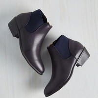 Minimal School of Walk Bootie in Navy