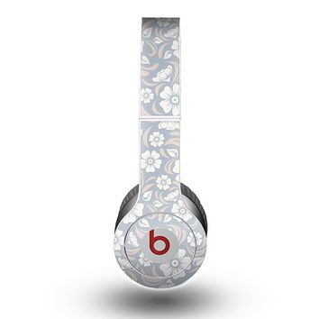 The Subtle White and Blue Floral Laced V32 Skin for the Beats by Dre Original Solo-Solo HD Headphones
