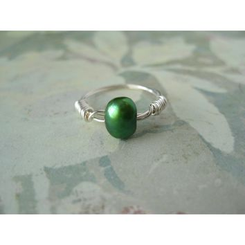 Emerald Freshwater Pearl Ring - Argentium Wire Wrapped