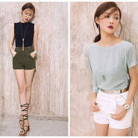 high waist shorts in white,green,zip at back,elegant,high fashion,chic,mod,for summer.--E0241