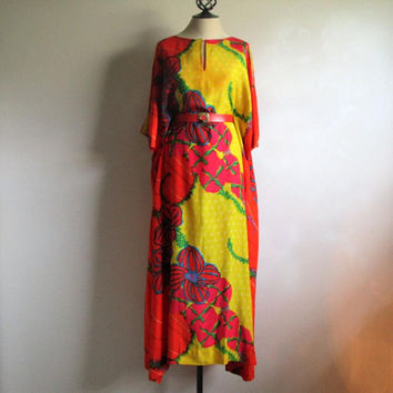 Alfred Shaheen 1970s Silk Rayon Hawaiian Pake Mu Dress Kaftan Muumuu Bold Orange Floral Silk Screen Print Maxi Gown