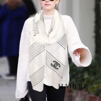 Chanel Small fragrant cashmere process section sequins Scarf