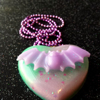 Pastel Goth Bat Pendant / Purple Bat Heart Necklace / Pastel Lavender / Gothic Purple Jewelry / Sweet Lolita / Fairy Kei / Cute Resin Bat