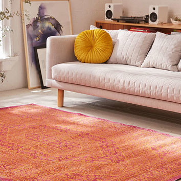 Marnie Distressed Tufted Rug - Urban Outfitters