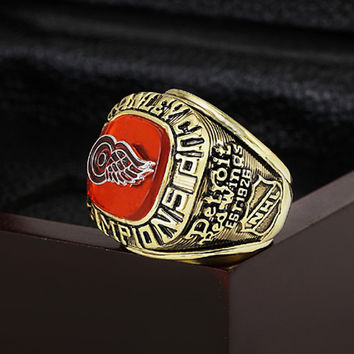 Gorgeous Brass Ring with Wooden Boxes Replica 1997 Detroit Red Wings Stanley Cup gold plated w