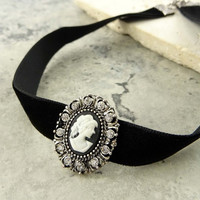 Women Fashion Jewelry Retro Vintage 90's Choker Cameo Velvet Goth Punk Black