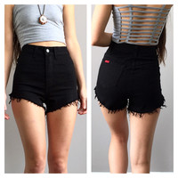 A High Waisted Cutoff - Black