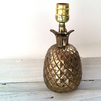 Brass pineapple lamp - vintage, metal, nice patina, small lamp, regency style {9x4} - the pineapple is the symbol of hospitality