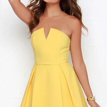 Evening Visions Yellow Strapless Dress