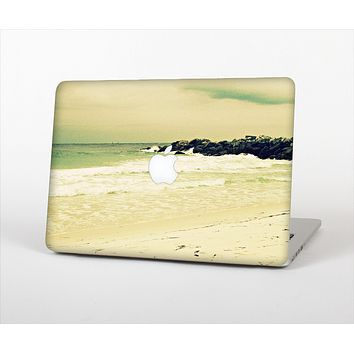 The Vintage Subtle Yellow Beach Scene Skin Set for the Apple MacBook Pro 13""