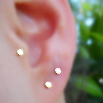 Tragus/Nose Ring/Cartilage Earring 14K Solid Yellow Gold 3mm Hammered Disk Stud